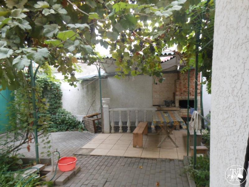 Дом с отдельным двором для отдыха в Евпатории сезон лето 2016-2017